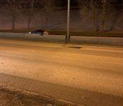 Массово пробивают колёса автолюбители на трассе Р-256 в сторону Бердска недалеко от съезда с Бугринского моста