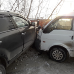 Из-за колеи в Бердске критические повреждения получили два авто