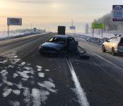 Водитель и пассажир Volkswagen травмированы в столкновении трёх авто под Искитимом