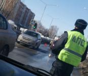 7-летняя школьница попала под авто в Бердске рядом со своей школой