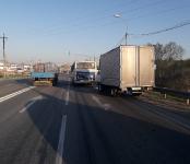 Алтайский грузовичок разбился об автобус БАТП на трассе в Бердске