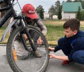 ГИБДД региона напоминает в условиях самоизоляции правила поведения на дорогах для маленьких велосипедистов их родителям