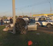 Врезался в столб и погиб 34-летний водитель Subaru в Новосибирске