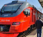 Несмотря на самоизоляцию: железнодорожники запустили через Бердск новую электричку