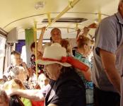 Он сказал «поехали»: по поручению губернатора в Бердске начали курсировать дачные автобусы