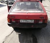 Разыскивается нетрезвый «гонщик» на красной «девятке», разбивший «Сузуки» на перекрёстке в Бердске