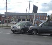 Серьёзную пробку на федеральной трассе Р-256 в Бердске организовали два столкнувшихся авто