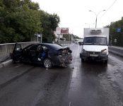 В жёстком ДТП на трассе Р-256 в Бердске травмирована 27-летняя водительница Honda Accord