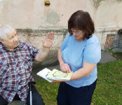 Общественная палата Бердска собрала 12,5 тысяч рублей на сожжённую инвалидную коляску