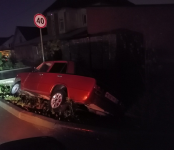 «Копейка» улетела в кювет на выезде из Белокаменного в Бердске