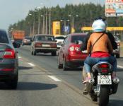 Госдума: Гонки на мотоциклах между рядов можно только большими штрафами