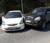Hyundai и Honda столкнулись у пляжа «Дюны» в Бердске