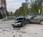 Chevrolet Blazer жёстко протаранил «дуплет» на перекрёстке в Бердске