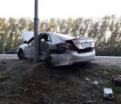 Жёсткое столкновение двух «Тойот» у поклонного креста на въезде в Бердск обошлось без пострадавших