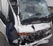 «Свидетель»: Извлекли пострадавшего в ДТП мужчину из грузовичка «Исузу» спасатели МЧС из Бердска