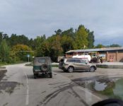 Два внедорожника не разъехались на дороге в «Сибиряк» в Бердске