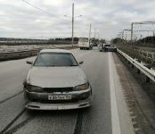 Сломал ключицу и получил сотрясение головного мозга водитель «Ниссана» в жёстком ДТП на бердском мосту