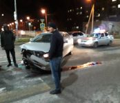Mitsubishi Lancer и Honda Accord не разъехались без столкновения на широкой улице Ленина в Бердске