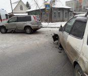 Водительница в белом халате травмирована в ДТП на перекрёстке в Бердске