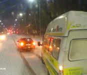 «Поучил» маршрутчика водитель чёрной «Тойоты» в Бердске, после чего маршрутку «догнал» автобус