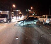 Спасатели доставали пострадавшего в жёстком ДТП в Бердске пожилого «гонщика»