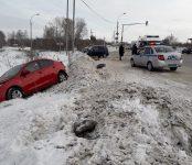 Три человека травмированы в жёстком тройном ДТП на трассе в Бердске