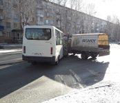 Две «газели» не разъехались без ДТП на главной улице Бердска