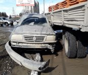 «КамАЗ» с кирпичом задавил Suzuki Grand Vitara на трассе в Бердске