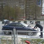 В центре Бердска на ходу загорелась «Мазда»