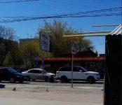 Honda Civic протаранил Range Rover в Бердске