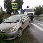 Ломовоз протаранил легковушку на перекрёстке в Бердске