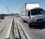 Уничтожил заднюю часть легковушке грузовик Hyundai в Бердске