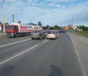 Фура «MAN» от «Магнита» вытеснила «жигули» на встречку на трассе в Бердске