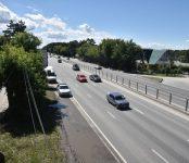 Устранить дорожные дефекты на Бердском шоссе до конца июля приказал губернатор
