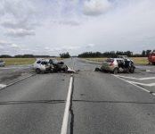 В столкновении двух легковушек погибли два человека на трассе в НСО