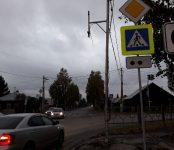 «Вот такая загагулина»: водитель «восьмёрки» уничтожил светофор в Бердске
