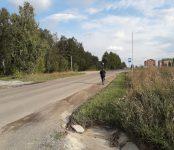 Боятся переходить дорогу к автобусной остановке школьники в Бердске
