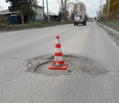 Порвал колесо водитель  INFINITI в Бердске и намерен судиться